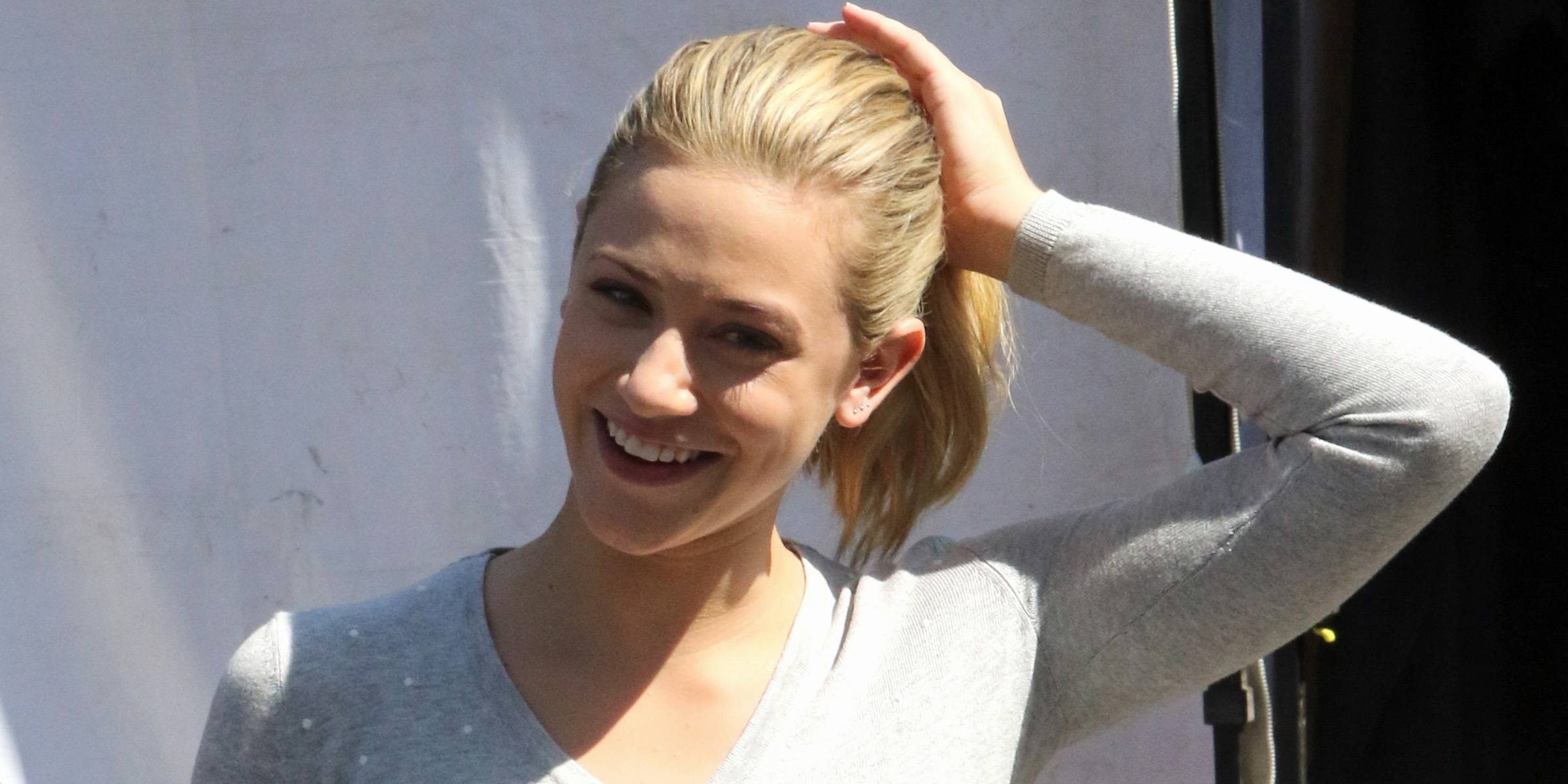 Lili Reinhart films Riverdale at Red Wagon (PHOTOS)