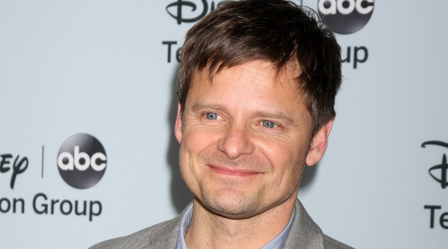 Steve Zahn at the Disney-ABC Television Group 2014 Winter Press Tour Party Arrivals at The Langham Huntington on January 17, 2014 in Pasadena, CA