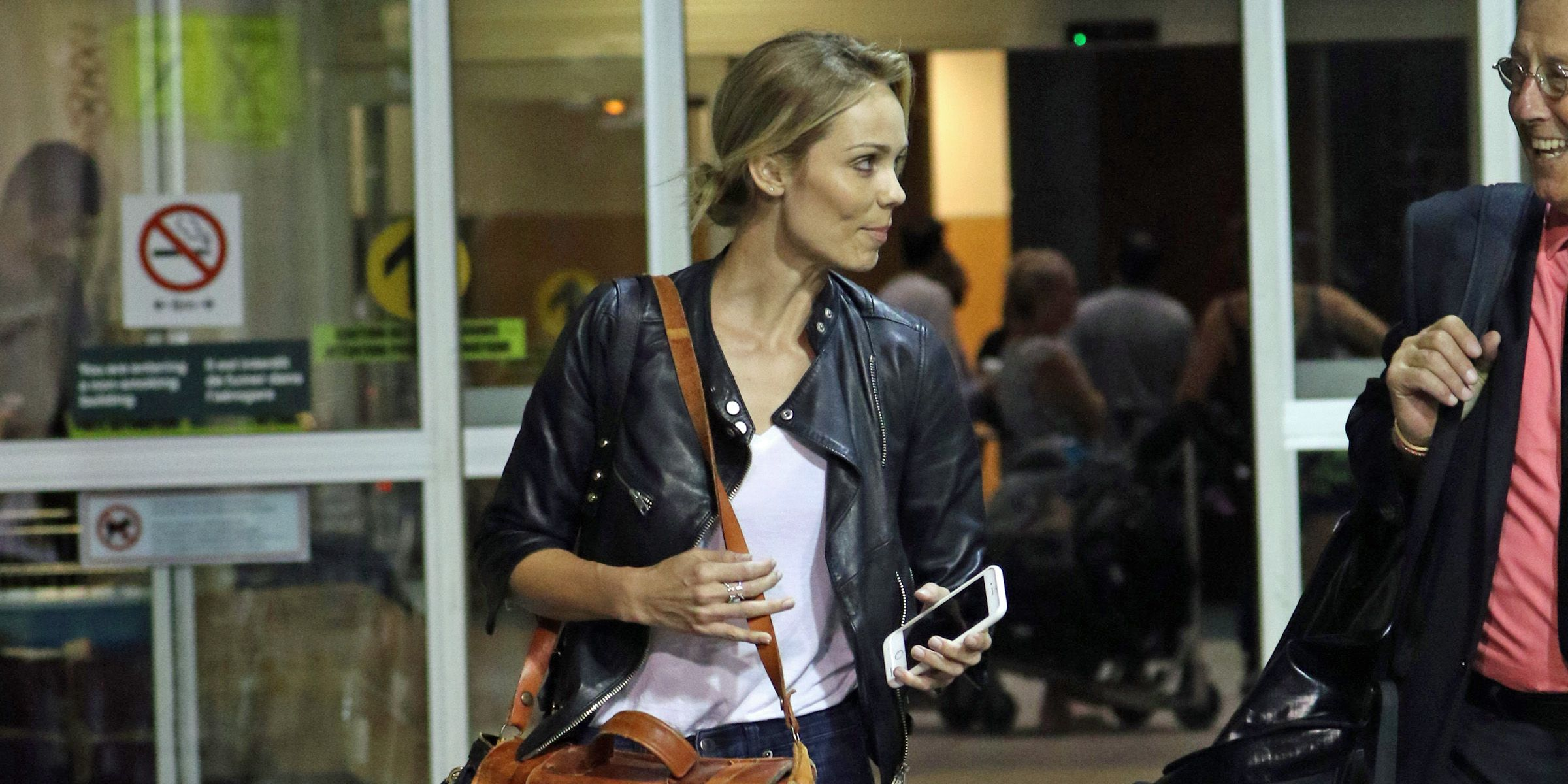 Laura Vandervoort arrives in Vancouver to film 'Ice' (PHOTOS)