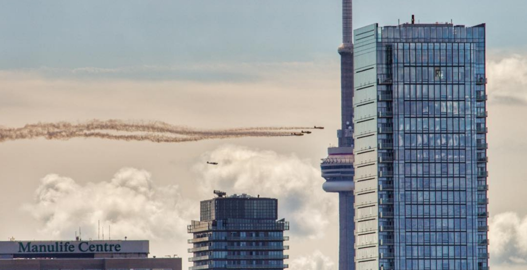 15 photos from the thunderous CNE Air Show over Toronto