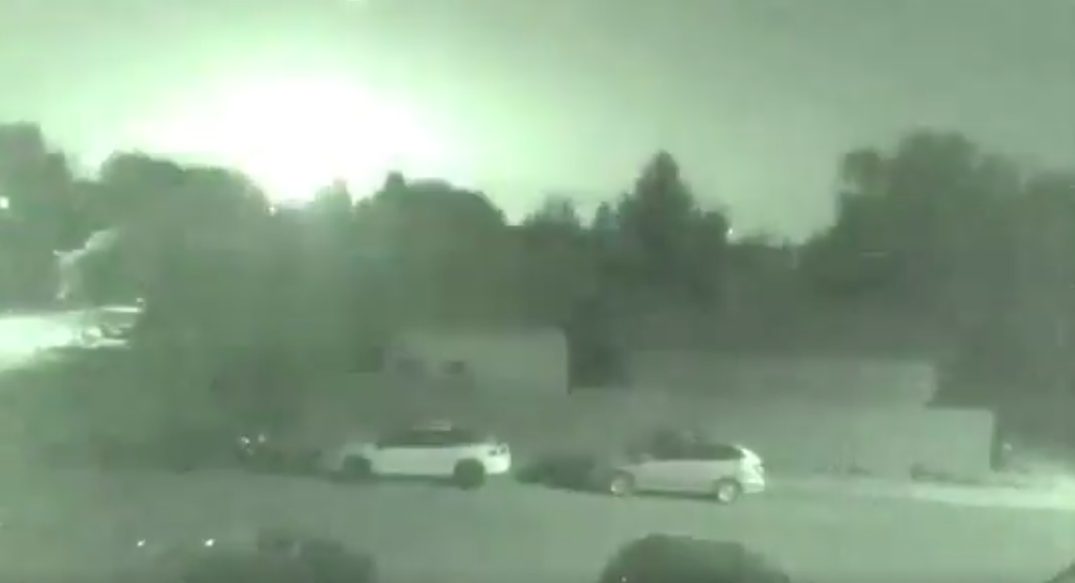 Massive fireball meteor spotted above multiple Canadian provinces last night (VIDEO)
