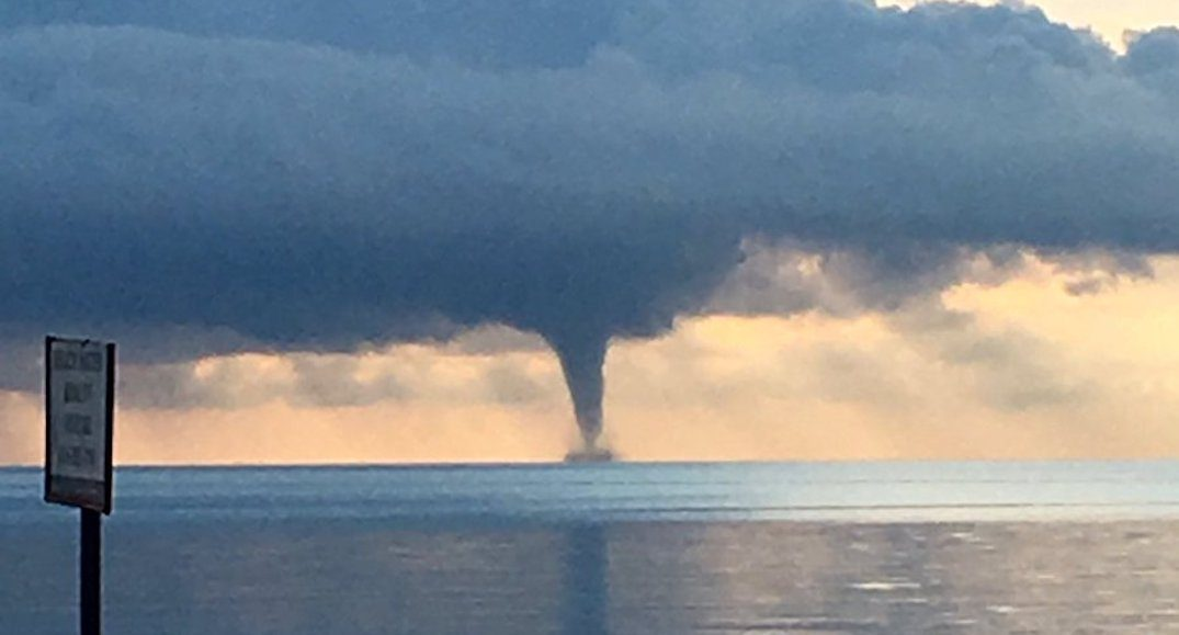 Beautiful waterspouts captured over Lake Ontario this morning (PHOTOS)