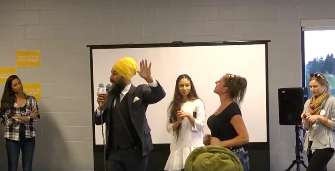 Racist heckler storms NDP leadership hopeful Jagmeet Singh's event (VIDEO)
