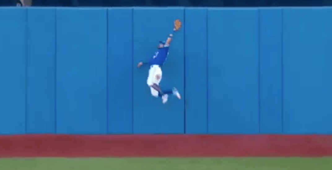 Pillar slams into wall to make jaw-dropping catch for Blue Jays (VIDEO)