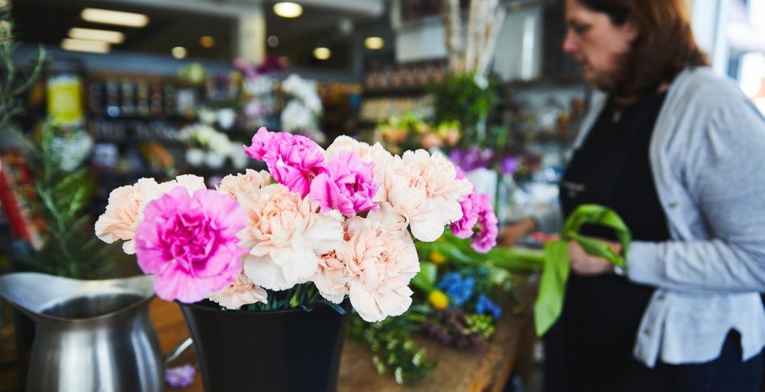 McEwans flowers floral farmers' market open-air market