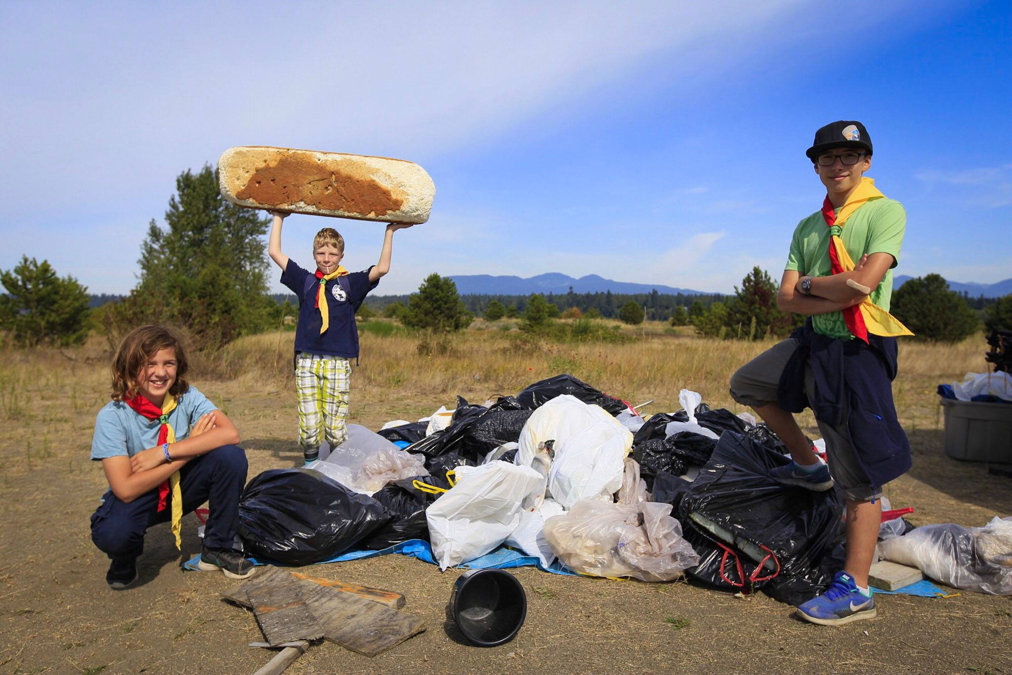 Shoreline cleanup volunteers with some of the litter they removed from Iona Beach (Ocean Wise)