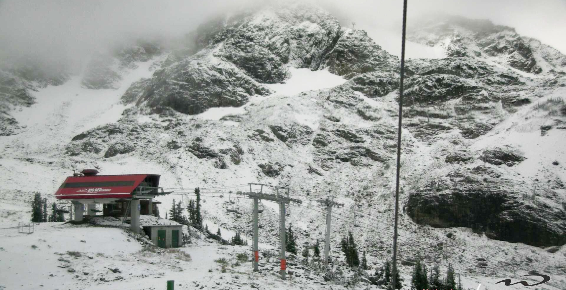 Hello ski season: first snow already falling on Whistler mountain (PHOTOS)