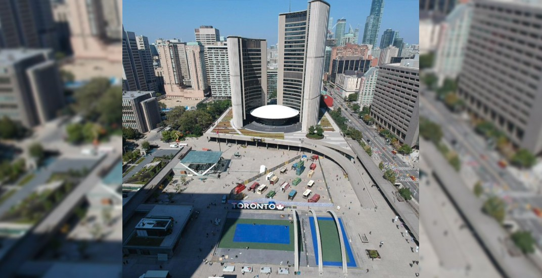 Nathan Phillips Square is being turned into a tennis court right now (PHOTOS)