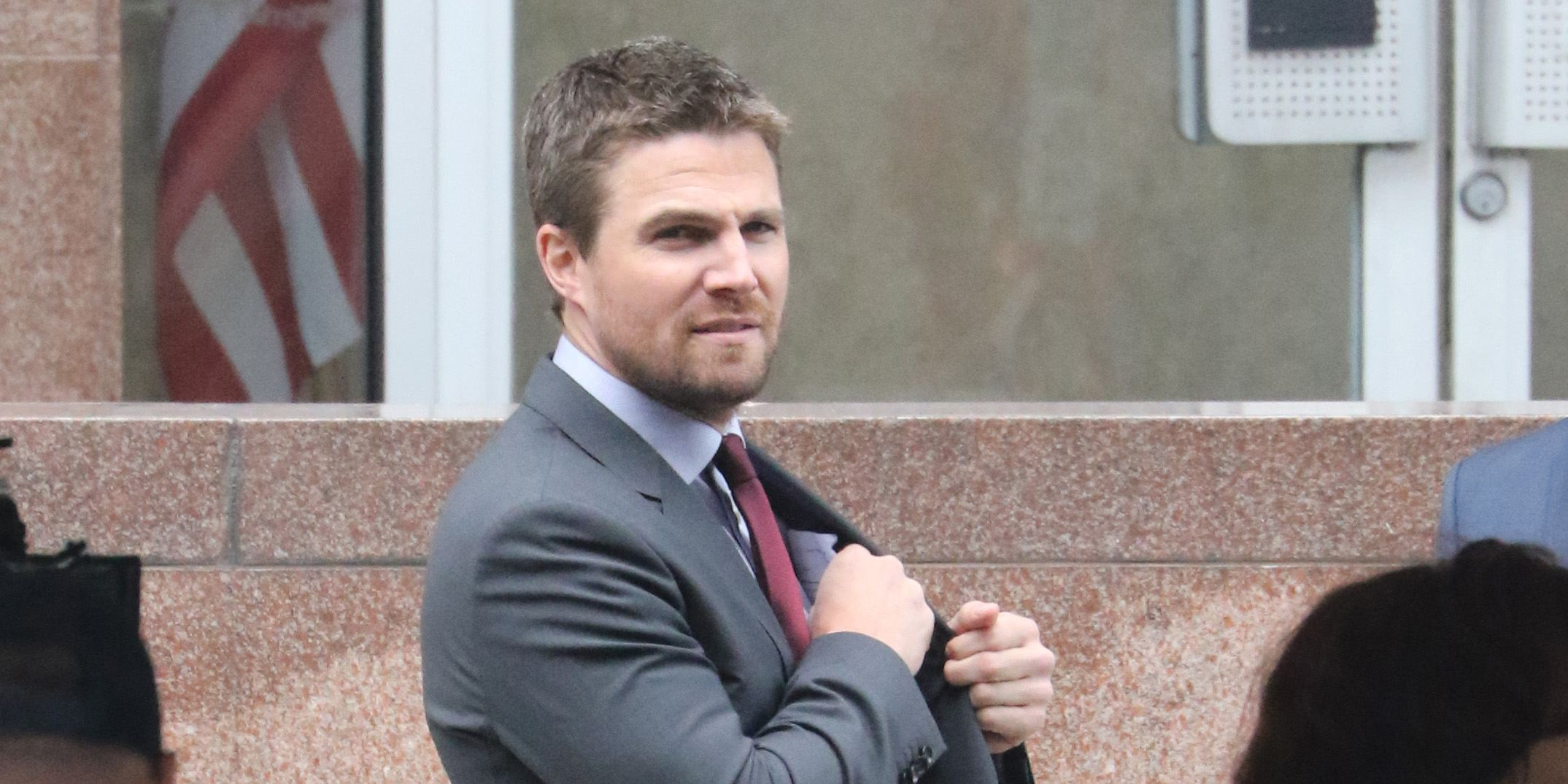 Stephen Amell films Arrow at downtown Vancouver's old Canada Post building (PHOTOS)