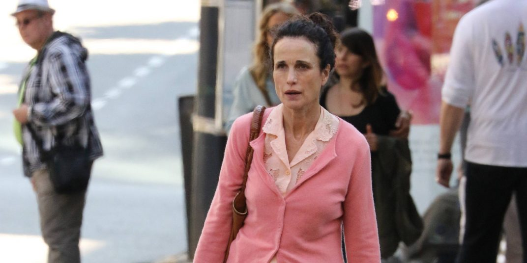 Andie MacDowell spotted grocery shopping in Vancouver (PHOTOS)