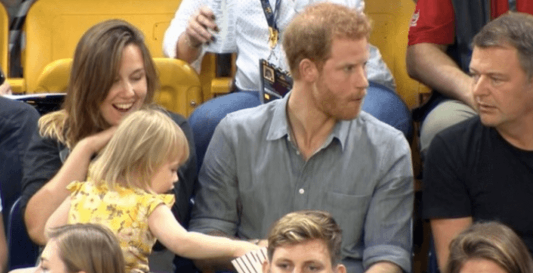 Adorable little girl steals Prince Harry's popcorn during Invictus Games (VIDEO)