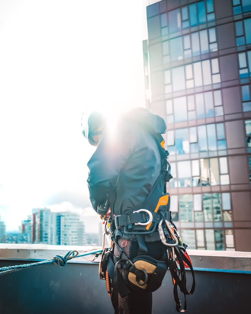 Dominica Myles getting ready to rappel down skyscrapers and clean windows (Nicolas Guaiquin)