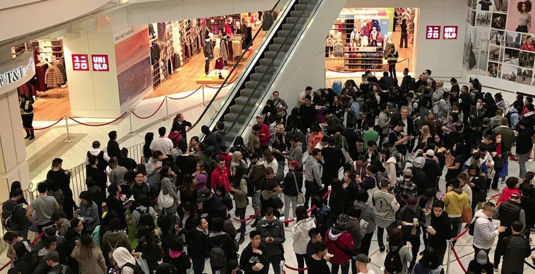 Huge lines at Vancouver's first UNIQLO store on opening day (PHOTOS)