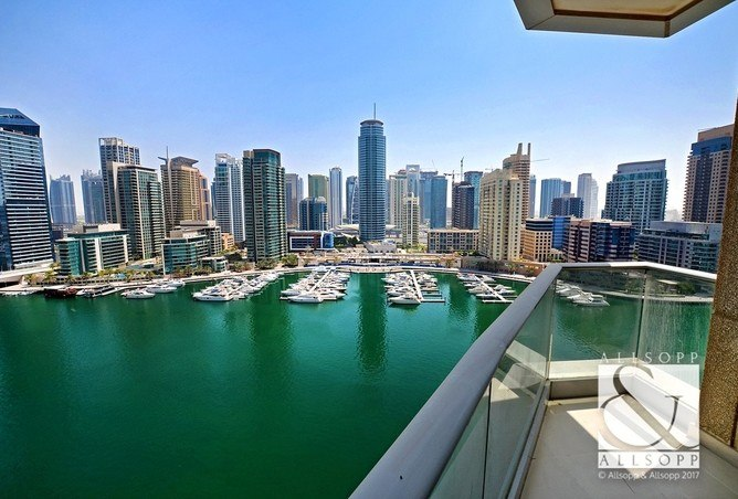 The marina view from an apartment for sale in Dubai (propertyfinder.ae)