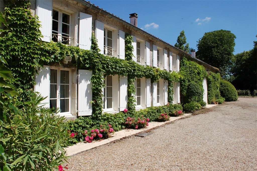 Charantaise house for sale in Cognac, France (Sotheby's International)