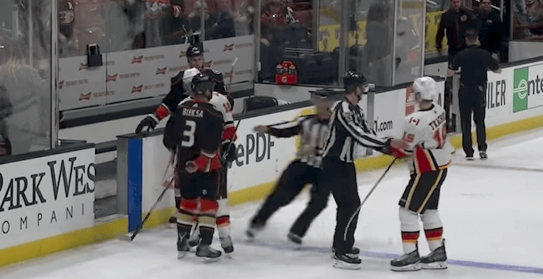 Kevin Bieksa steals Mike Smith's puck after Flames finally win in Anaheim (VIDEO)