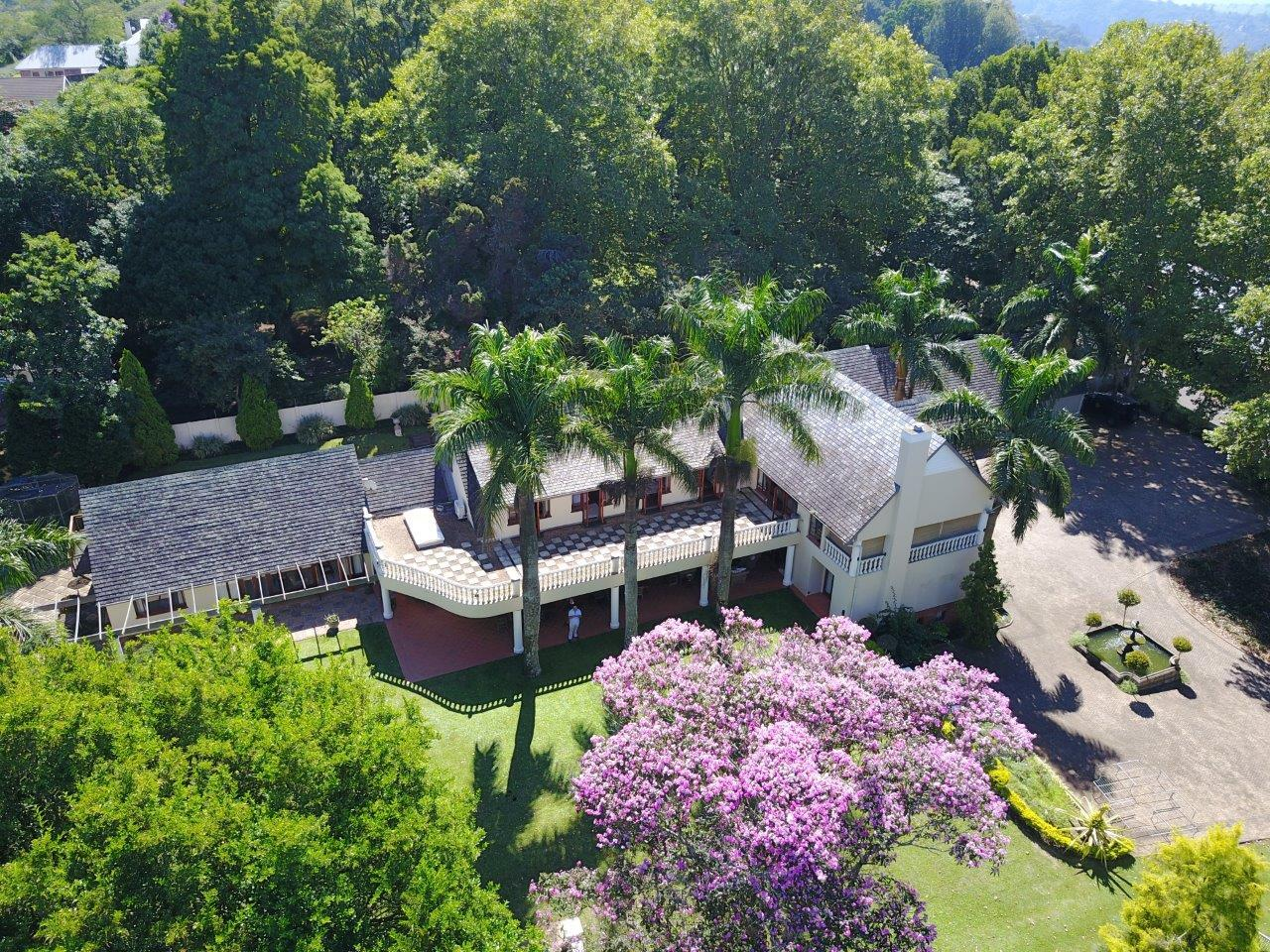 Residence for sale in Kloof, South Africa (Century 21)