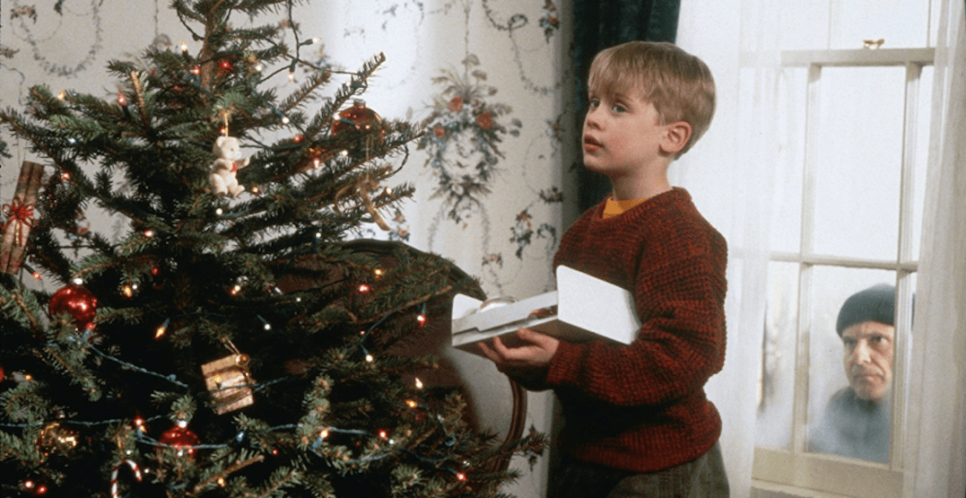 You can watch all your favourite holiday movies for FREE in Toronto this December
