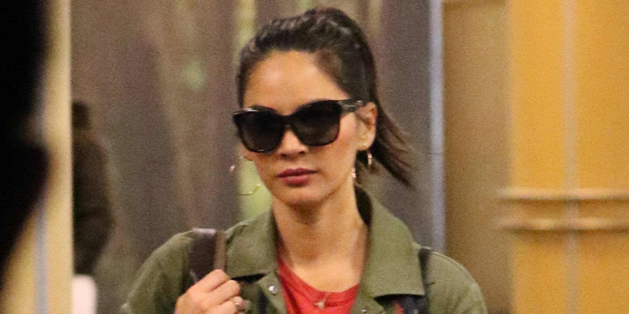 A very stylish Olivia Munn spotted at Vancouver International Airport (PHOTOS)