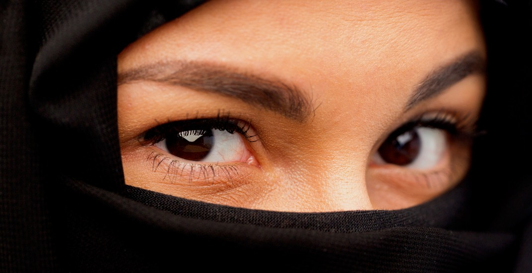 Four-in-ten Canadians outside of Quebec support niqab ban: Report