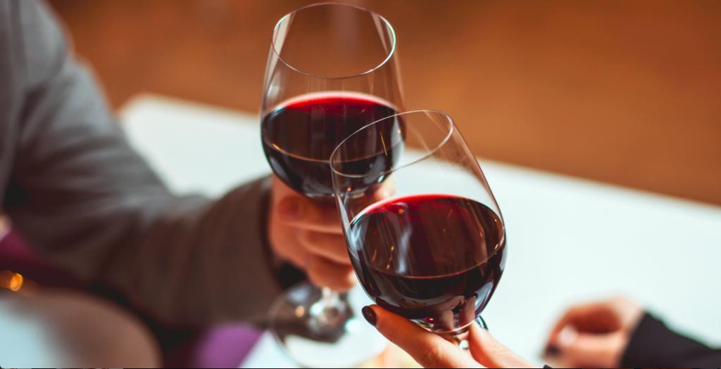 Drink wine cross-provincial booze