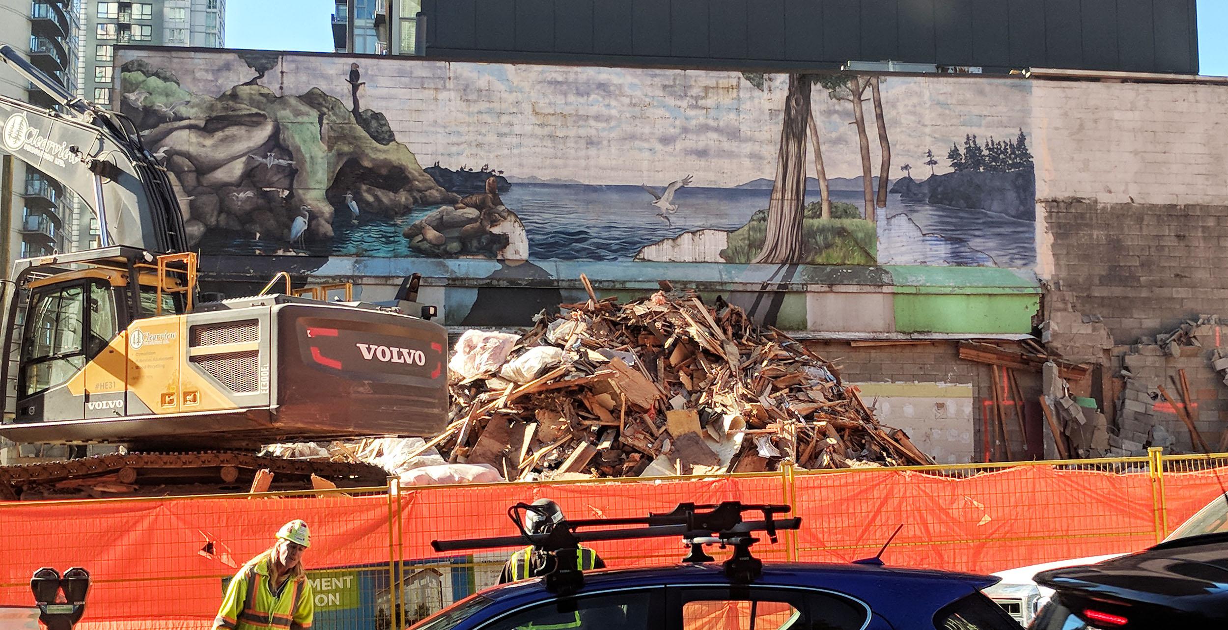 Mural at Drake and Seymour (Jenni Sheppard/Daily Hive)