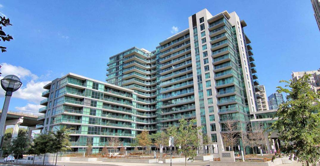 209 fort york blvd exterior