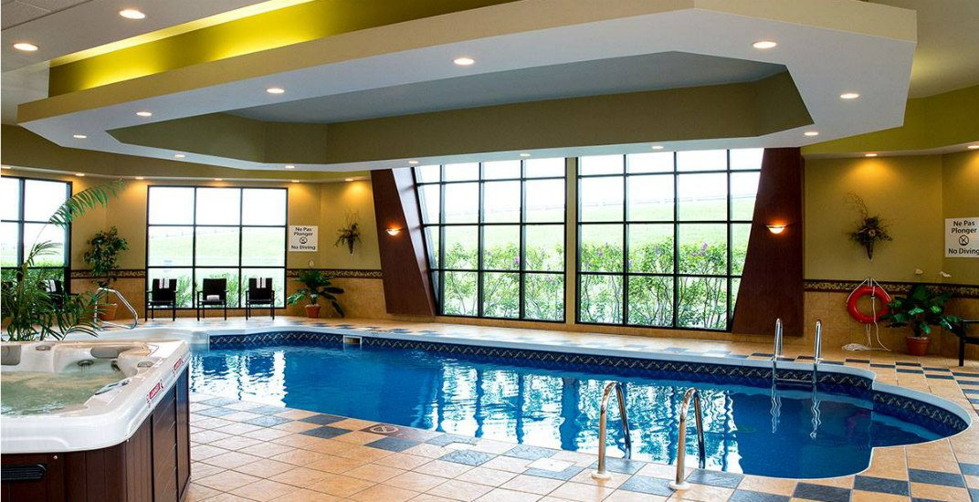 Enjoy a FREE staycation at the Holiday Inn Express hotel (CONTEST)