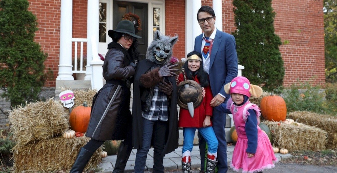 Trudeau dresses up and goes trick-or-treating with family for Halloween (PHOTOS)