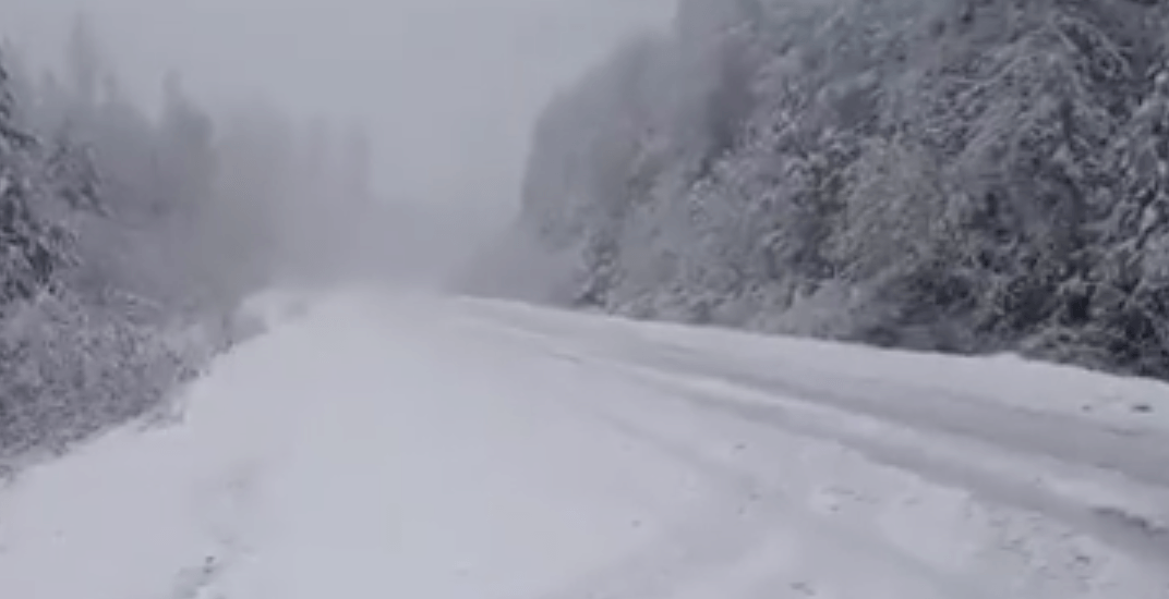 All 3 North Shore ski hills are getting hammered with snow today (VIDEO)