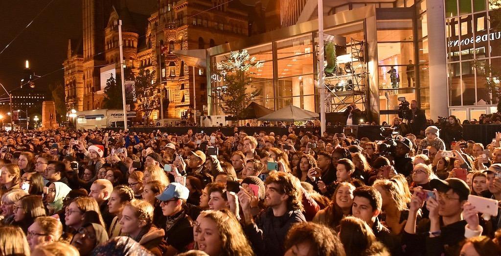 Pentatonix kicks off the holidays in Toronto with a massive concert (PHOTOS)
