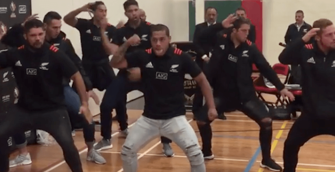 Maori All Blacks rugby team wows students with Haka at East Vancouver high school (VIDEO)