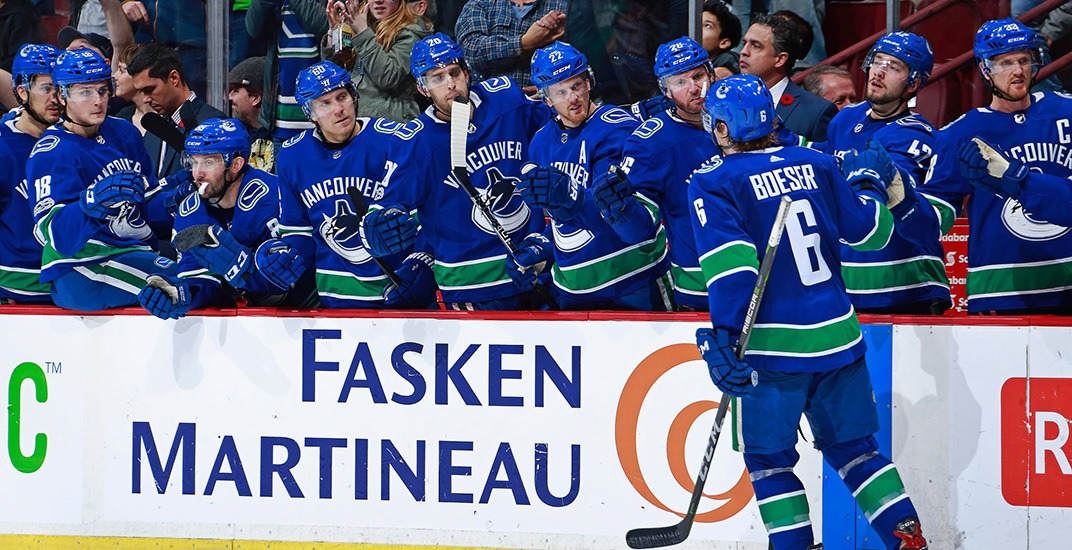 SixPack: Boeser scores hat trick in Canucks upset win over Stanley Cup champs