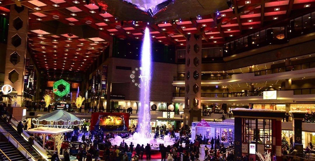 Magical light-up fountain holiday show returning to Complexe Desjardins