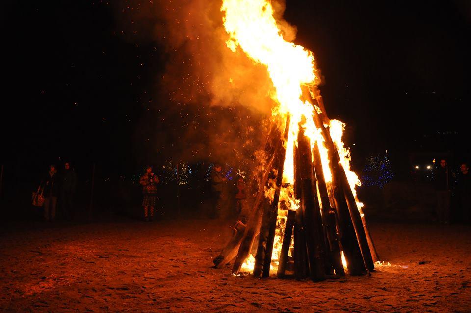 Dundarave Festival of Lights Christmas Wassail and Bonfire (Dundarave Festival of Lights/Facebook)
