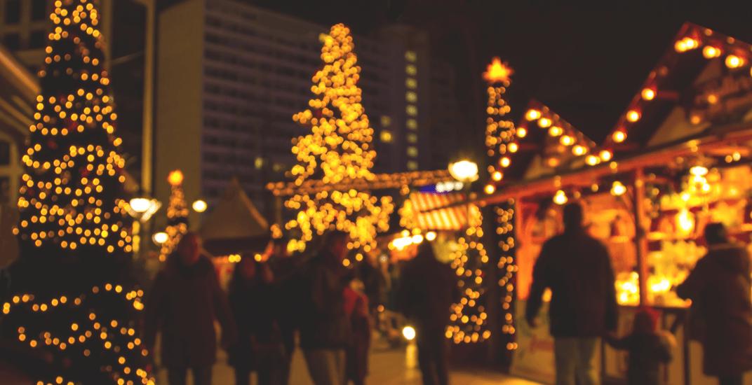 Christmas market (conejota/ Shutterstock)
