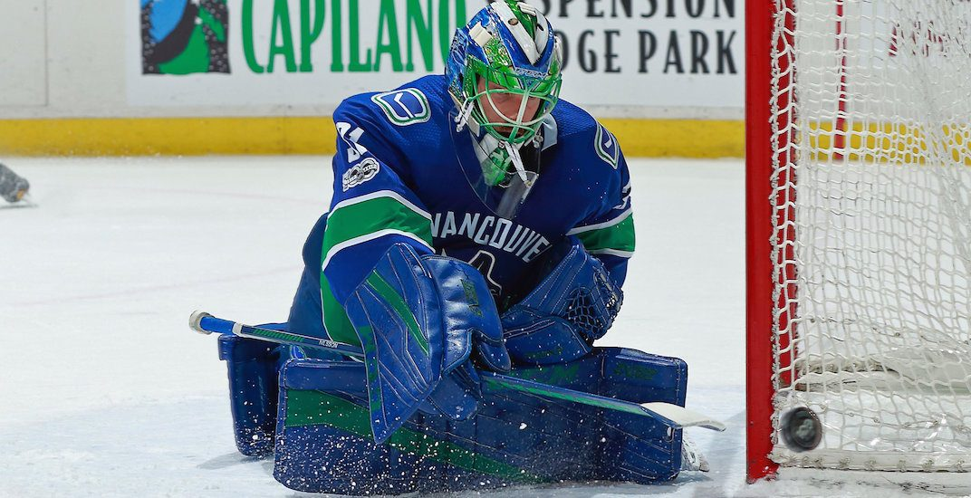 Canucks goalie Nilsson painted pride flag on his new mask (PHOTOS)
