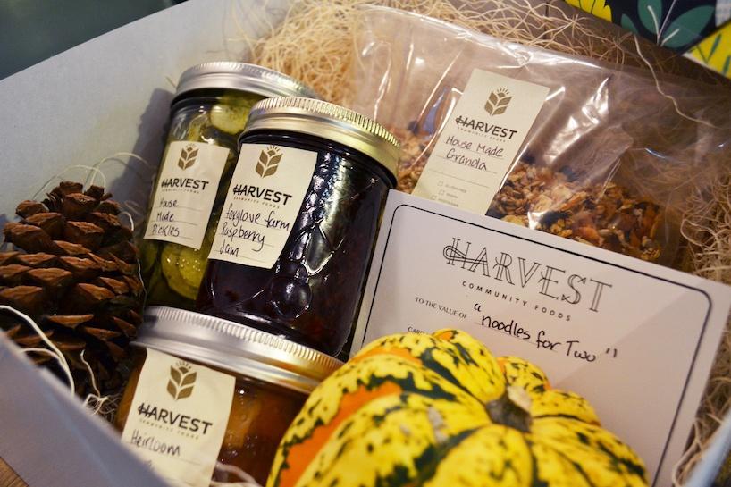 Harvest Community Foods_holiday gift box