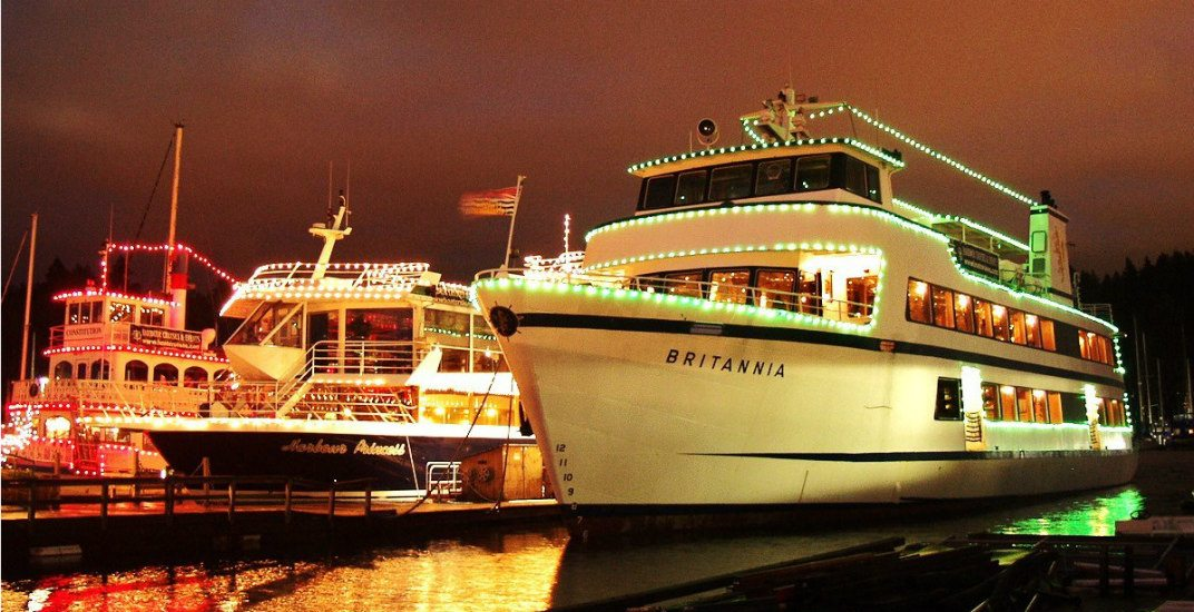 Win 4 FREE tickets for a festive cruise with dinner and caroling (CONTEST)