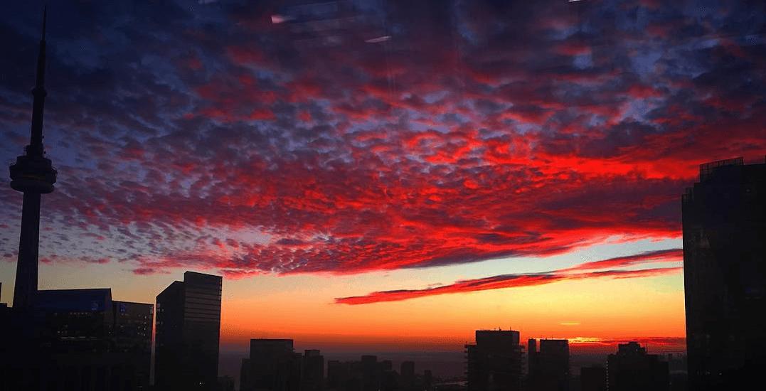 17 shots of last night's stunning sunset in Toronto (PHOTOS)