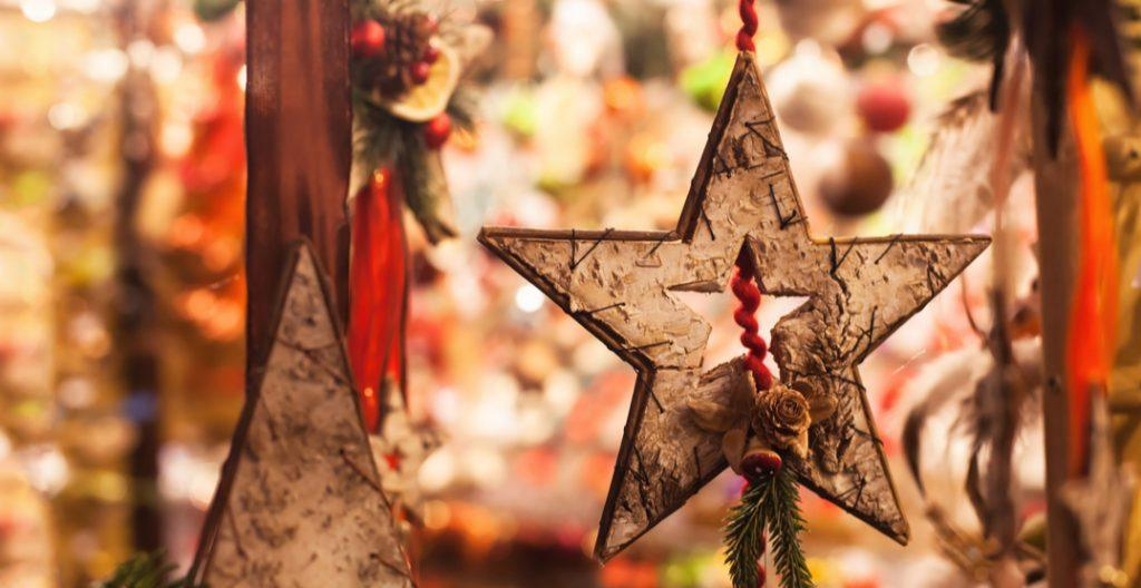 Star at a craft fair (Ditty_about_summer/Shutterstock)