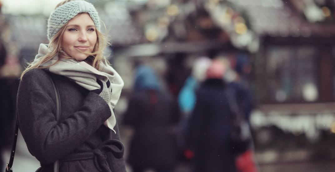 5 tips for successfully navigating the holidays if you're single