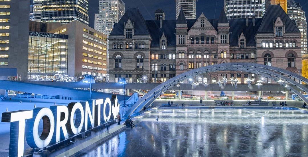 What's open and closed in Toronto this holiday season 2017