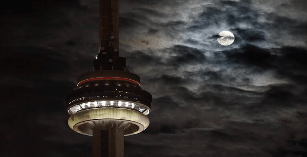 14 spectacular photos of last night's supermoon in Toronto