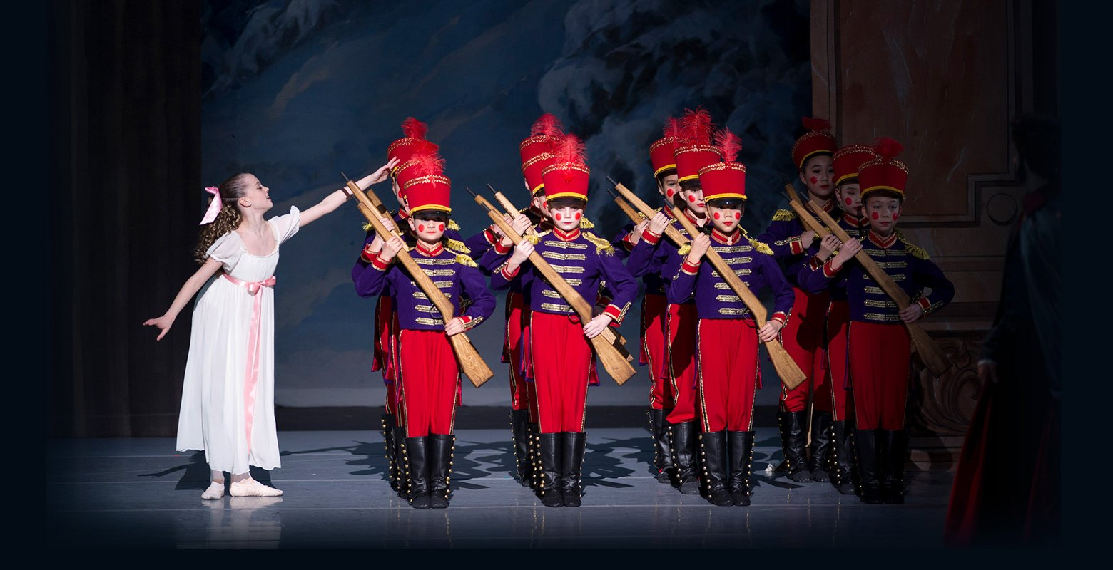 Clara and the soldiers in the nutcracker goh ballet