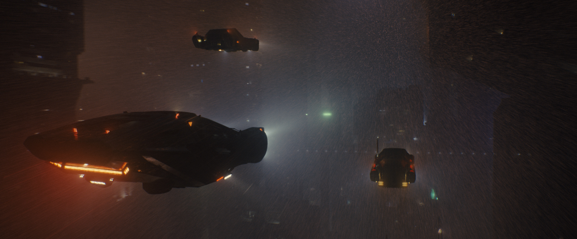 K's Spinner flying car in Blade Runner 2049 (©2017 ALCON ENTERTAINMENT, LLC., WARNER BROS. ENTERTAINMENT INC. AND COLUMBIA TRISTAR MARKETING GROUP, INC. ALL RIGHTS RESERVED.)