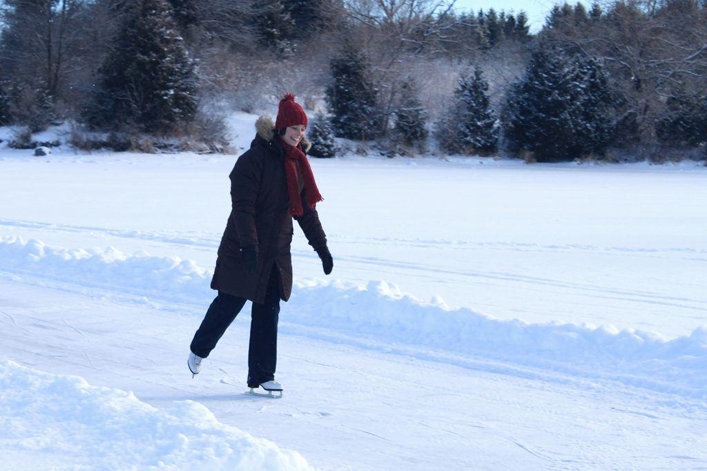 Ontario outdoor skating trails