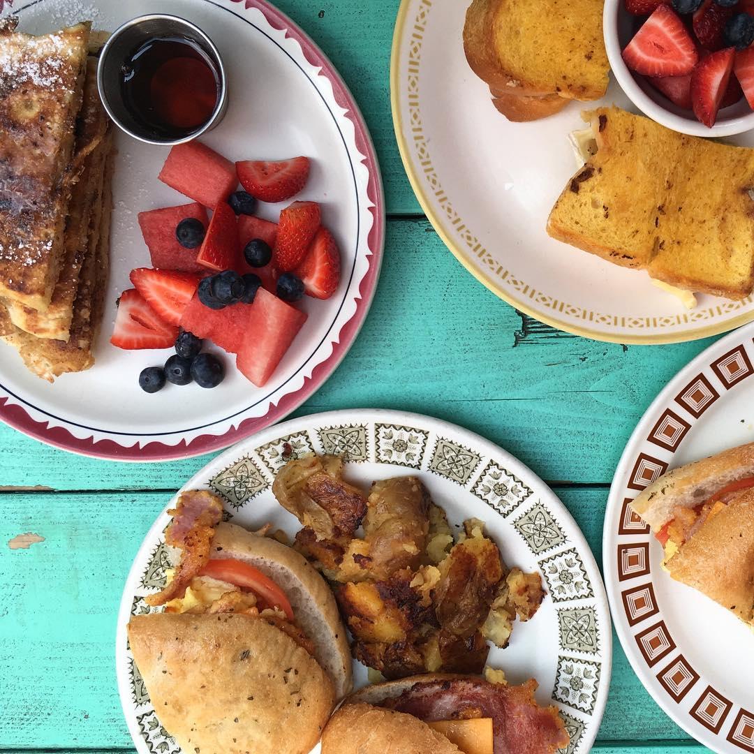 aunties & uncles breakfast brunch