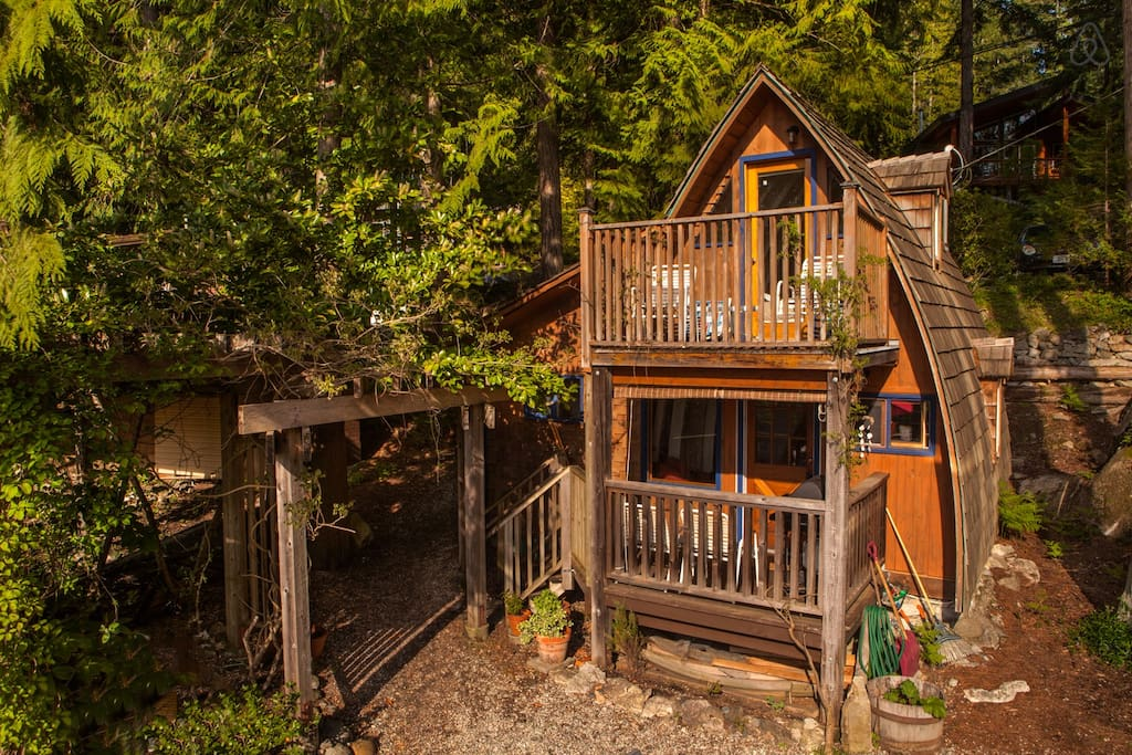 Cabin #3 - Alfie the A-Frame in Sechelt, BC (Airbnb)