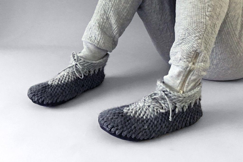 Kick Back Slippers / Muffle-up!
